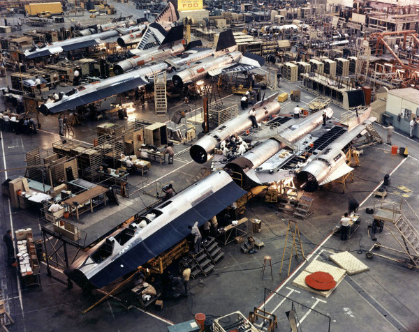 Skunk Works Factory Floor - assembling SR-71s - titanium was very difficult to work with